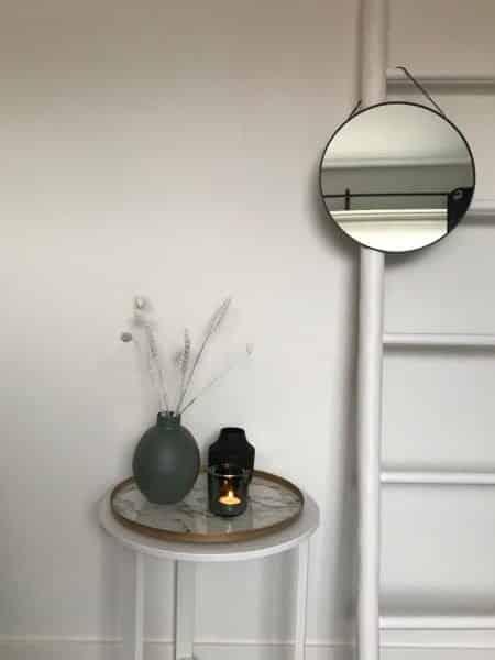 ronde spiegel met ketting